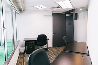 areta-fitted-offices-small-window-office-suite-330px